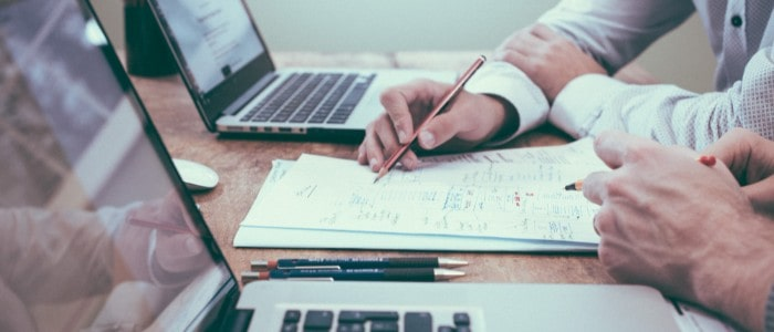 Weboldal készítés kiszervezése szabadúszónak